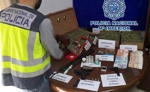 La Policía Nacional desarticula en Dénia un punto negro de venta de drogas