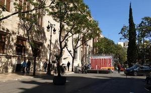 Compromís celebra un acto electoral frente a la Lonja