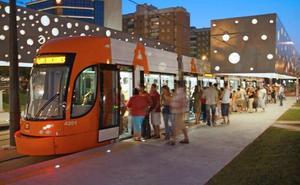 El Tram amplía los horarios para las procesiones desde hoy hasta el viernes