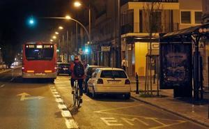 Ribó promete que los autobuses de Valencia pararán de noche donde sea en cuanto lo pida una usuaria