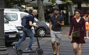 La ordenanza de movilidad de Valencia que se aprueba hoy regulará el uso de los patinetes eléctricos