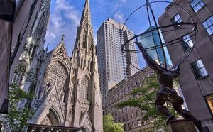Detenido en la catedral de Nueva York con dos bidones de gasolina