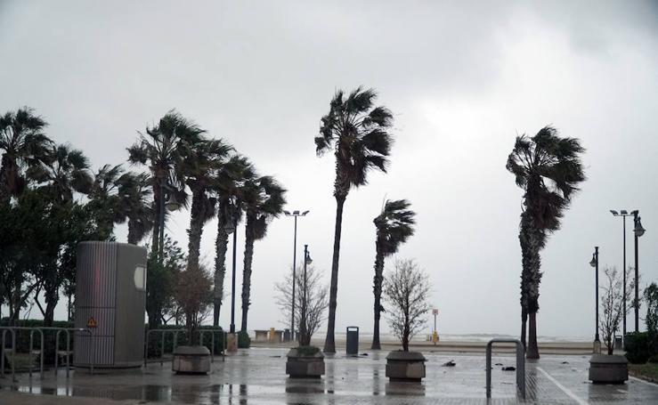 Viernes Santo 2019 pasado por agua en Valencia