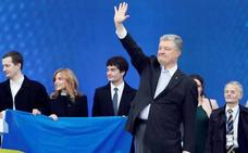 Poroshenko intenta desesperadamente dar la vuelta a las previsiones en Ucrania