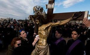 El Cristo del Salvador se queda sin el acto de la playa por la lluvia