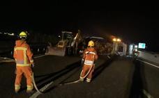 Un accidente de camión corta 12 horas la A-7