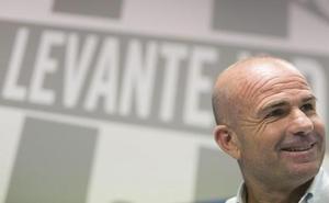 Paco López: «Si ganamos estos dos partidos estaremos muy cerca del objetivo»