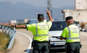 El conductor de un autobús que iba de Valencia a Plasencia con 20 pasajeros da positivo en un control de alcoholemia
