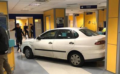Empotra su coche contra las Urgencias de un hospital en Bilbao porque tenía que esperar