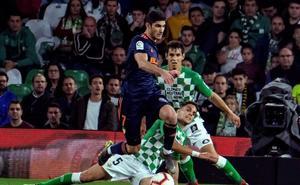 Espectacular doblete de Guedes ante el Betis