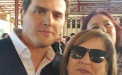 Denuncian a la candidata de Cs de Chiva por falsedad documental y apropiación indebida