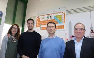 Investigadores españoles logran que el grafeno emita luz