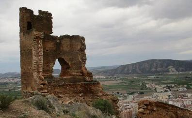 El temporal derrumba una parte de la torre Taifal del castillo de Orihuela