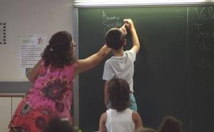 Denuncian a un profesor por atar a un alumno autista a una silla y taparle la boca con cinta adhesiva