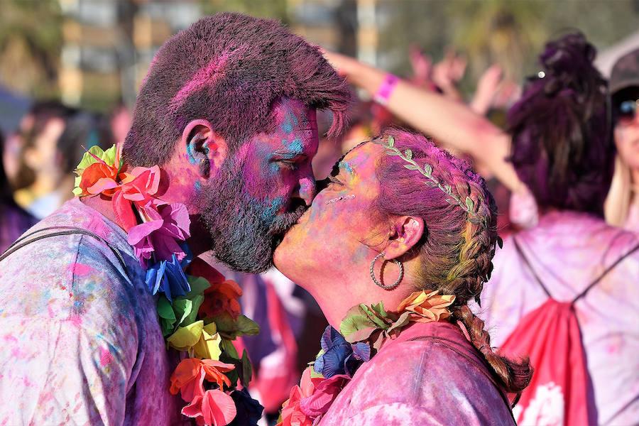 Valencia se tiñe de colores con la Holi Life