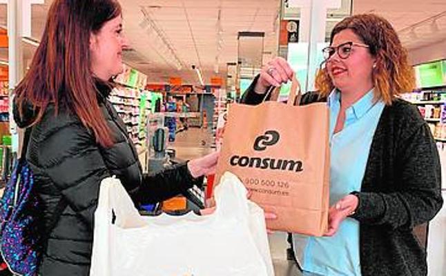 Consum reduce en un 80% el plástico que pone en la calle