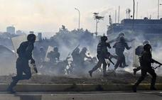 Maduro: «Nervios de acero, los comandantes me han manifestado su total lealtad»