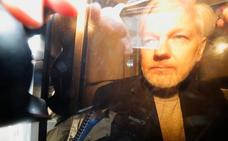 Julian Assange, condenado a 50 semanas por saltarse la libertad condicional