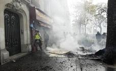 Los violentos se adueñan de la marcha del Día Internacional de los Trabajadores en París