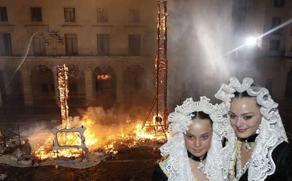 Programa Hogueras 2019 de hoy viernes 21 de junio: horarios y actos de San Juan, fiestas de Alicante