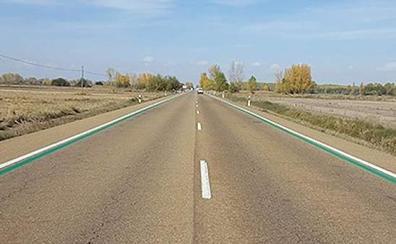 ¿Qué significan estas líneas verdes que la DGT ha empezado a pintar en las carreteras?
