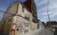 Diecisiete fincas del Ayuntamiento están ocupadas ilegalmente en el Cabanyal