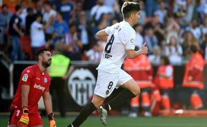 Carlos Soler marca el primer golazo del Valencia
