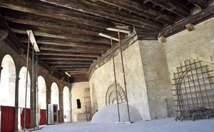 La Catedral de Valencia alerta del riesgo de derrumbe de una fachada por el retraso de Cultura