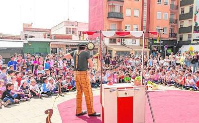 1.500 alumnos se unen a la campaña 'Anem al teatre'