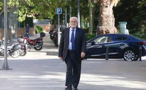 Cotino insiste en que la fundación de la visita del Papa era privada
