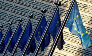 Bruselas multa a cinco grandes bancos con más de mil millones por interferir en el mercado de divisas