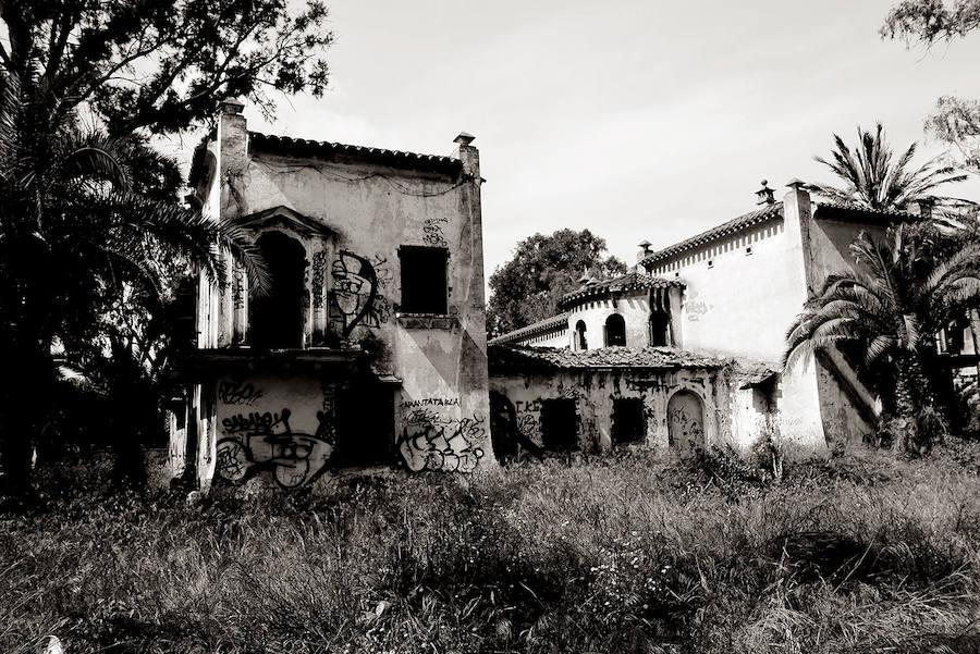 La Ciudad-Jardín de los Ingenieros, mansiones abandonadas en Puerto de Sagunto