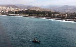 Sin rastro del bebé y la mujer desaparecidos al caer de una patera en Gran Canaria