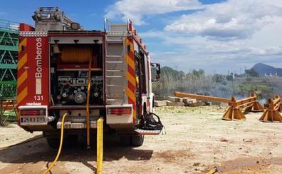 Un incendio amenaza el parque natural del Marjal de Pego-Oliva