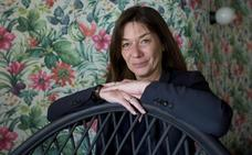 Sandrine Destombes: «Las redes sociales amenazan el bienestar»