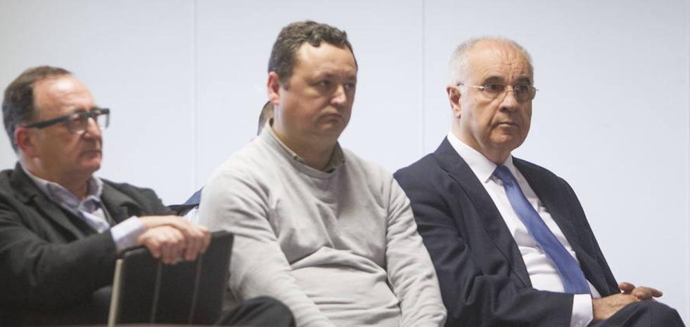 La defensa de Linares denuncia presiones de la acusación particular del caso Blasco