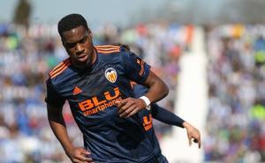 La euforia del Valencia ante un Barça de mínimos