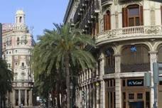 Caixabank proyecta abrir su mayor sucursal de España en la calle Barcas de Valencia