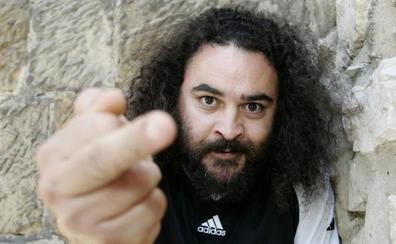 El cantante de los 'Mojinos Escozíos' deja el micro a un lado para ponerse el delantal en 'MasterChef Celebrity 4'