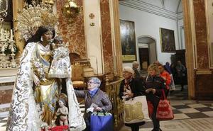 Devoción sin límite a la Virgen a pesar del calor
