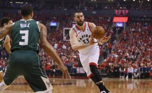 Los Raptors vencen con facilidad a los Bucks