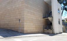El PP denuncia que el Centro de Día de la Pobla del Duc lleva ocho años con luz de obra
