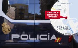 Mata a golpes a un gallo en plena calle y ante varios menores en Valencia