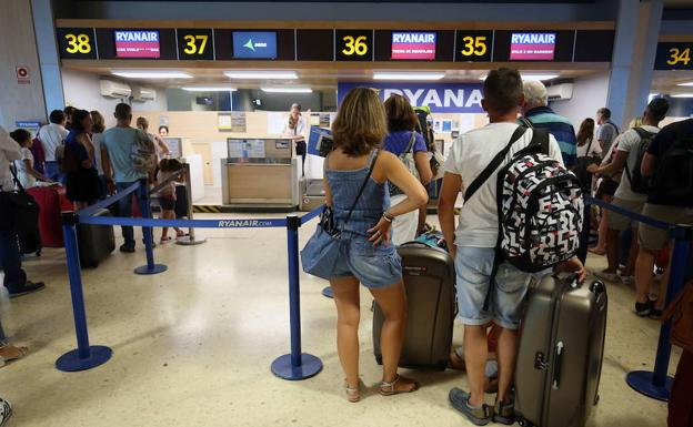 Ryanair extiende su nueva política de equipajes a más países europeos