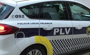 Detenido un joven por agredir a su pareja para controlarle el móvil en Valencia