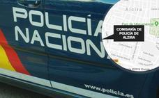 Detenidos dos padres y sus hijos por simular atracos violentos para cobrar del seguro en Alzira