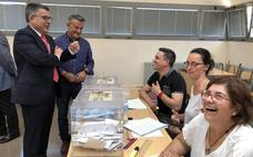 El delegado del Gobierno destaca en Xàbia el «ambiente de normalidad» en los colegios electorales