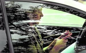 El móvil al volante deja 40 multas al día en la Comunitat Valenciana