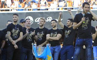 La camiseta de Campeones de Copa del Rey del Valencia CF, a la venta