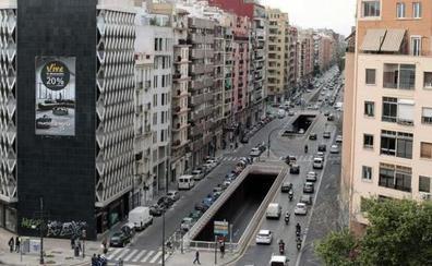 El joven atropellado en la avenida Pérez Galdós de Valencia fue arrastrado 20 metros